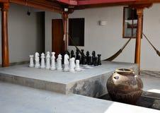 El juego de ajedrez como parte de se enfría hacia fuera Imagen de archivo libre de regalías