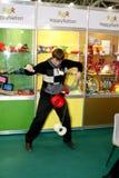 El juego del individuo el yoyo Foto de archivo libre de regalías