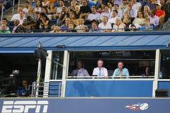 El jugador de tenis profesional Gael Monfis practica para el US Open 2014 en Billie Jean King National Tennis Center Imagen de archivo libre de regalías