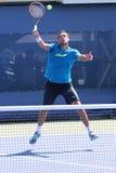 El jugador de tenis profesional Marin Cilic practica para el US Open 2014 en Billie Jean King National Tennis Center Imagenes de archivo