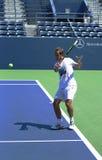 El jugador de tenis Richard Gasquet de PProfessional practica para el US Open 2013 en el estadio de la gradería cubierta Imagen de archivo