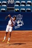 El jugador de tenis sirvió un ball-1 Imágenes de archivo libres de regalías