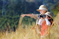 El jugar al aire libre de los niños de la diversión Imagen de archivo
