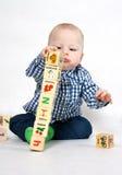 El jugar con los bloques de madera Fotografía de archivo libre de regalías