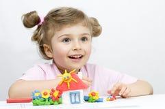 El jugar creativo con plasticine Fotografía de archivo libre de regalías