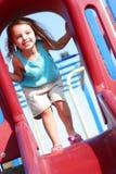 El jugar de la chica joven Fotos de archivo