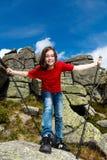 El jugar de la muchacha al aire libre Imagenes de archivo
