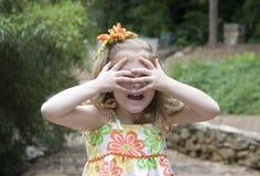 El jugar de la niña Fotos de archivo libres de regalías