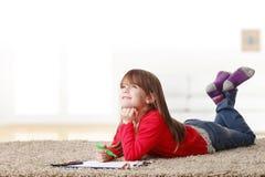 El jugar de la niña Foto de archivo libre de regalías