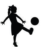 El jugar de la silueta de la muchacha Foto de archivo libre de regalías