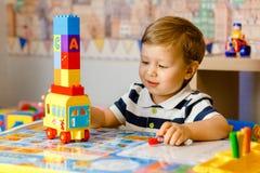 El jugar de Little Boy Fotos de archivo libres de regalías