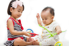 El jugar de los niños chinos asiáticos Fotografía de archivo