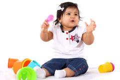El jugar del bebé imagen de archivo