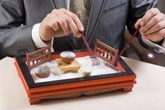 el jugar del hombre de negocios Foto de archivo libre de regalías