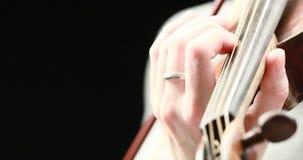 El jugar del violinista - primer de sus manos almacen de metraje de vídeo