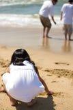El jugar en la costa Imagenes de archivo