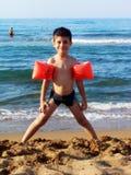 El jugar en la playa Imagenes de archivo