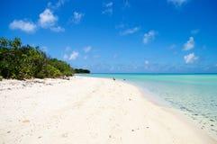 El jugar en la playa del paraíso Foto de archivo libre de regalías