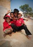 El jugar indio de cuatro muchachos Imagen de archivo