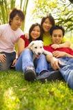 El jugar junto con perro Imagen de archivo libre de regalías