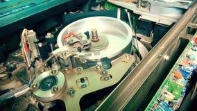 El jugar profesional del comienzo de la grabadora de la televisión de VHS Cierre para arriba metrajes