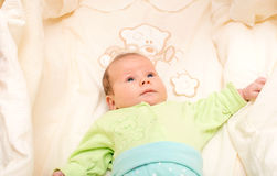 El jugar recién nacido del bebé Imágenes de archivo libres de regalías