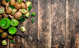 El jugo fresco del kiwi Fotografía de archivo