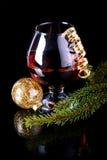 El juguete de la rama del abeto, de cristal y del Año Nuevo Fotos de archivo