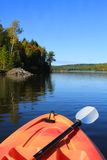 El Kayaking en caída temprana Fotografía de archivo libre de regalías