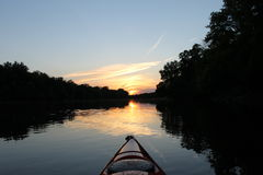 El Kayaking en el río de Titabawassee Foto de archivo libre de regalías