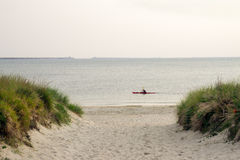 El Kayaking en la bahía de Chesapeake Imagen de archivo libre de regalías