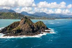 El Kayaking escénico tropical en las islas Oahu Hawaii de Mokulua imagen de archivo libre de regalías