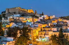 El Kef,一个城市夜地平线在西北突尼斯 图库摄影