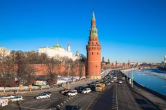 El Kremlin de Moscú en 2017 Terraplén del río de Moskva Rusia foto de archivo libre de regalías