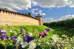 El Kremlin en Veliky Novgorod en día de verano Fotografía de archivo