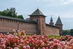 El Kremlin en Veliky Novgorod, Rusia, por la tarde soleada del invierno Fotografía de archivo