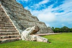 El Kukulkan金字塔,奇琴伊察,尤加坦卡斯蒂略或寺庙 免版税库存图片