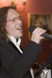El líder del cóctel del grupo, del cantante y del músico Konstantin Kuveyzev Foto de archivo libre de regalías