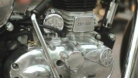 El lado de la motocicleta labra el motor 01 metrajes
