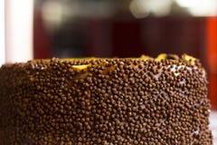 El lado de la torta del plátano con asperja y chocolate Imagenes de archivo