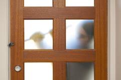 Ladrón adaptación casa con la palanca foto de archivo