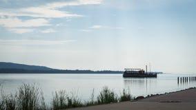 El lago Balatón en tiempo cubierto foto de archivo libre de regalías