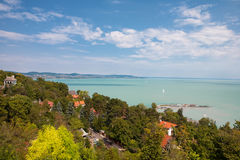 El lago Balatón vio de la abadía de Tihany en Hungría Fotografía de archivo