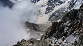 El lago de la montaña del corazón Imagenes de archivo
