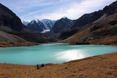 El lago de las montañas Imagen de archivo libre de regalías