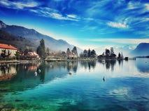 El lago en Talloires Imagen de archivo libre de regalías
