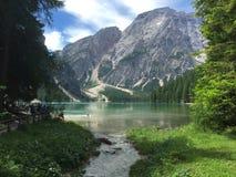 el lago encantado imagen de archivo