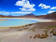 El lago honda, situado en Eduardo Avaroa National Reserve, Bolivia Imagenes de archivo