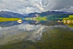 El lago jack London's Verano, reflexiones fotografía de archivo libre de regalías