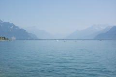 El lago Lemán o laca Léman en el verano Imagen de archivo